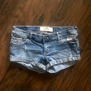 Hollister Medium Wash Jean Shorts Size 3